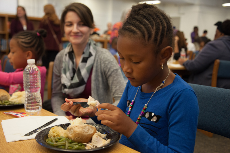 Children eating lunch at Classen SAS - Positive Tomorrows